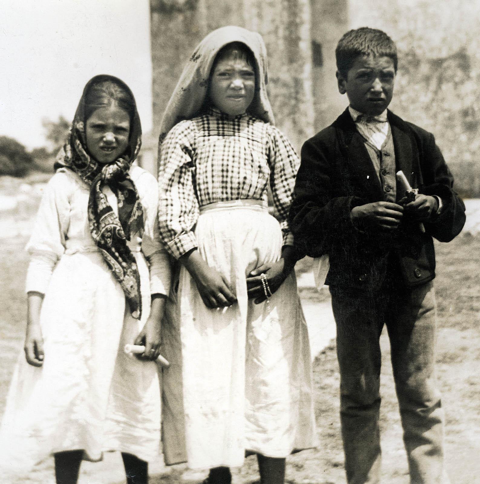 Visión del Infierno - Segundo Secreto de Fátima - Jacinta, Lucía y Francisco